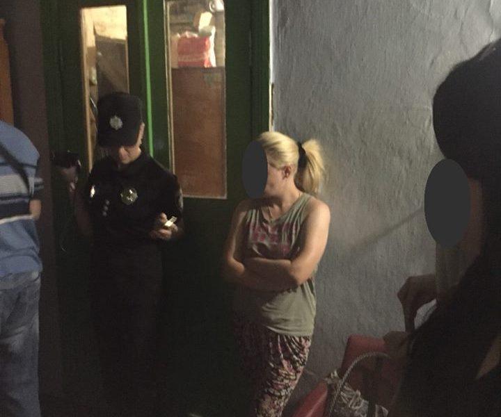 В Николаеве арестовали бандершу, поставлявшую проституток в Европу