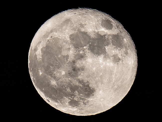 Индия готовится добывать на Луне редкое ядерное топливо, которое стоит триллионы долларов