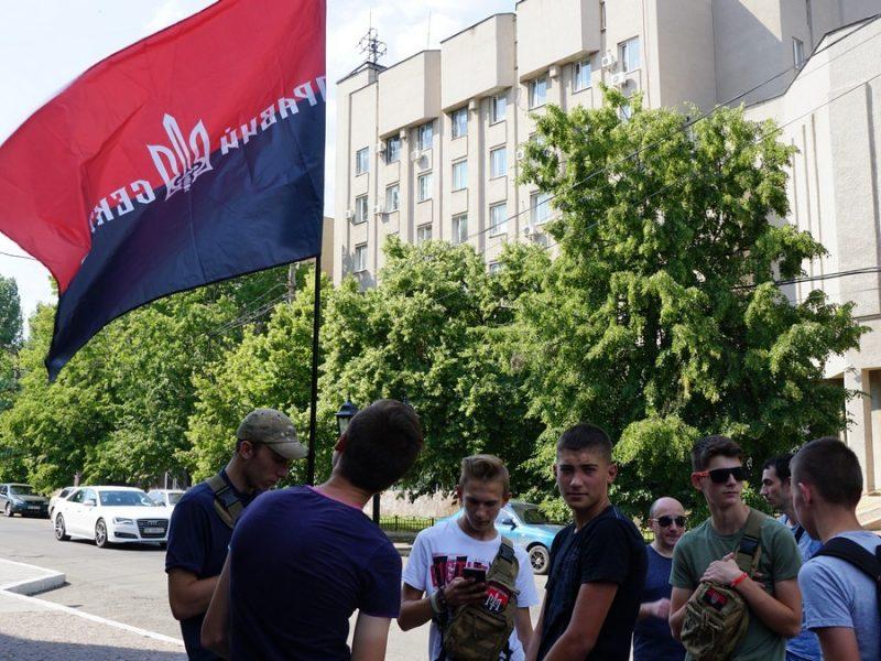 Николаевские радикалы после столкновений на киевском Марше равенства потребовали громкой отставки в Нацполиции