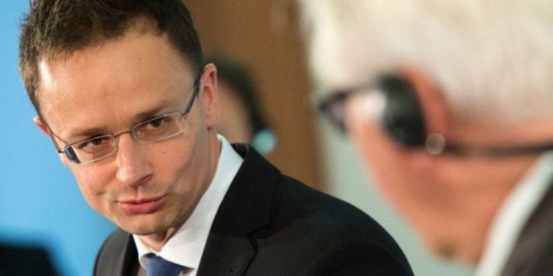 В последний момент. Венгрия сняла вето на заявление комиссии Украина-НАТО