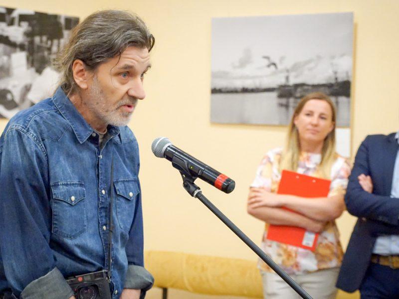 Ас украинской фотодокументалистики представил в Николаеве выставку о повседневной жизни горожан с гепатитом С