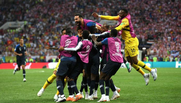 Лучшими футболистами мира стали французы