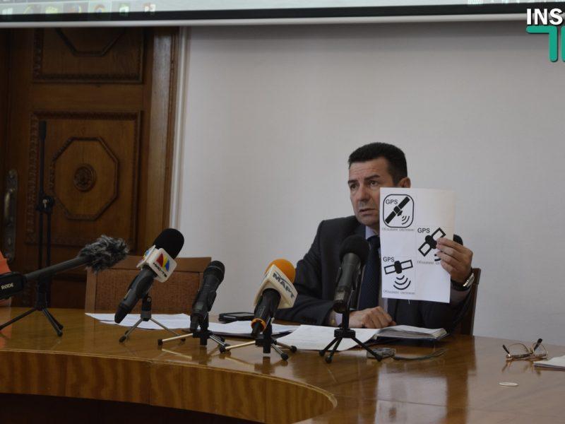 Городская власть и перевозчики пообещали за 2 недели установить GPS-трекеры на маршрутки