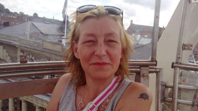 """Умерла женщина, отравленная """"Новичком"""" в британском Эймсбери"""