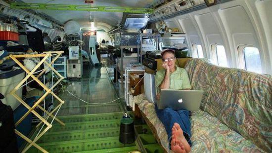 Самолет имеет право жить и после полетов, – поэтому американец сделал себе дом из списанного  Boeing-727