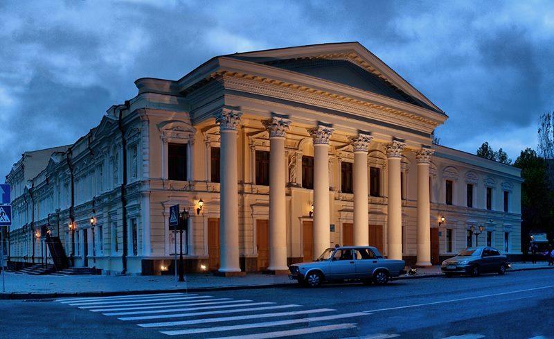 Без слова «русский»: депутатам Николаевского облсовета предлагают сократить название одного из театров Николаева