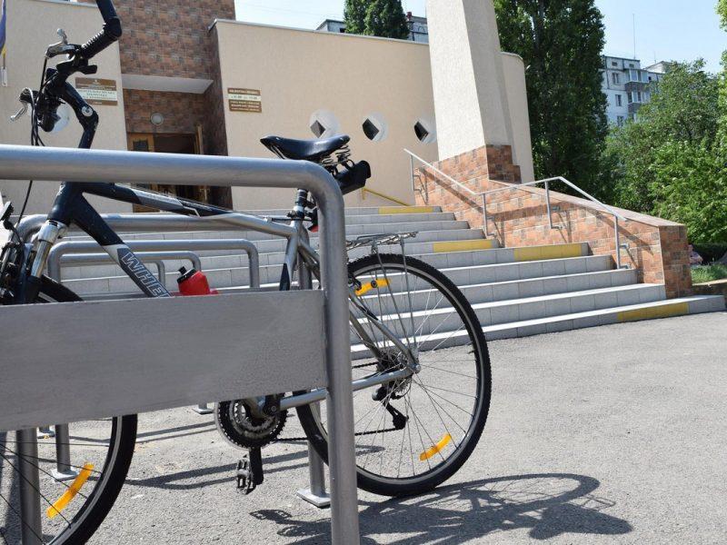 Активисты установят по Николаеву 23 велопарковки