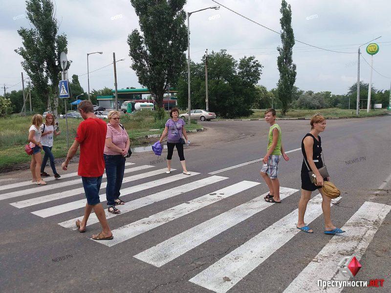 ОБНОВЛЕНО. В Корабельном районе жильцы многоэтажки вышли перекрывать проспект Богоявленский – им отключили свет, несмотря на оплаченные счета