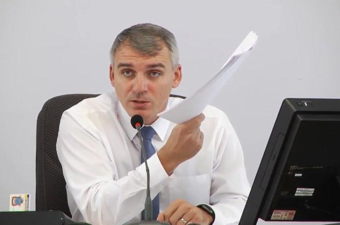 Сенкевич подписал проект решения сессии об отстранении Репина от работы в Департаменте ЖХК