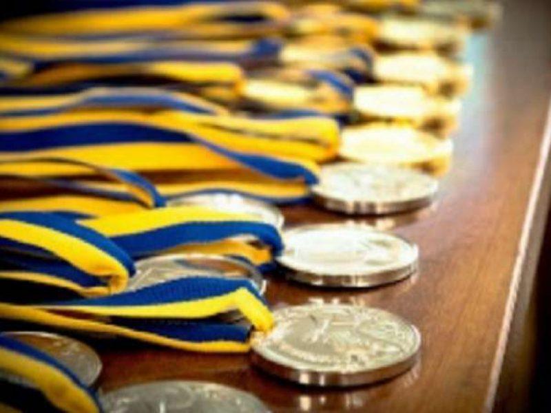 Николаевские шахматисты триумфально выступили на турнире во Франции, а спринтер Соколов взял «серебро» Чемпионата Украины