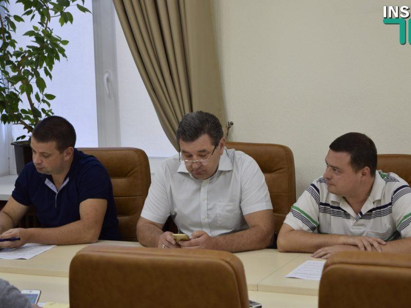 Первое заседание комиссии по ЖКХ под председательством Лепишева ознаменовалось словесными «разборками» депутатов