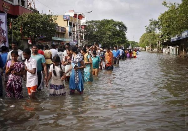 Десятки индусов, спасаясь от наводнения в мечети, встретили с мусульманами Курбан-байрам