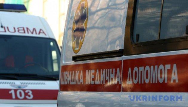 В Житомире «скорая» и Hyundai влетели в частный дом, много пострадавших