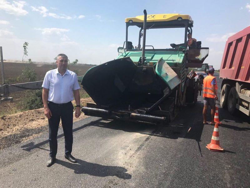 Обещание Порошенко по завершению ремонта трассы Т-15-08 засчитали невыполненным. Из-за таможенников?