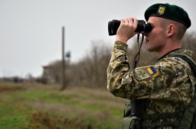 РФ действительно отводит войска от границ Украины, но только в одном направлении, – глава Госпогранслужбы