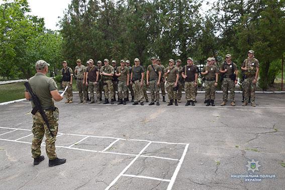 Очередной отряд николаевских спецназовцев отправился в прифронтовую зону, чтобы сменить товарищей