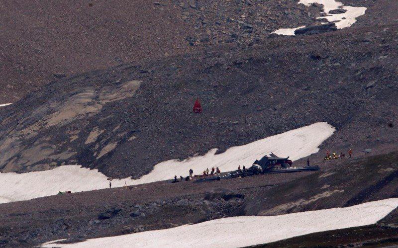 В Альпах разбился самолет: погибли 20 человек