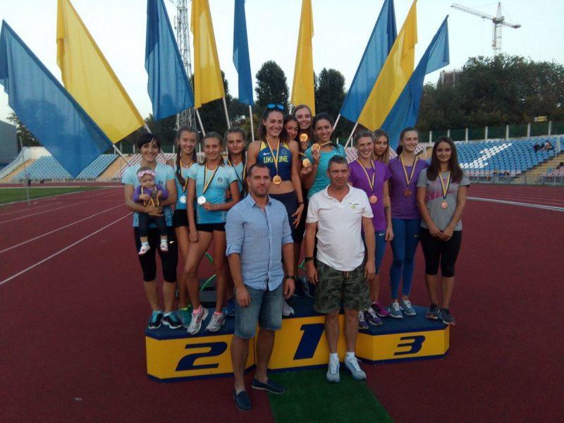 Николаевские легкоатлеты привезли 37 медалей с чемпионата Украины по эстафетному бегу