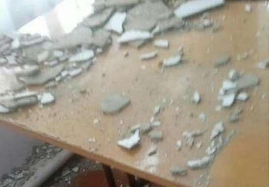 В пригороде Николаева посреди урока на школьников обрушился потолок