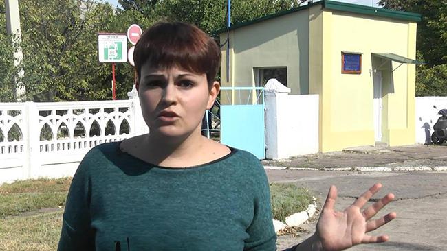 Директор психдиспансера напал на журналистку, снимавшую сюжет об избиении подростков-пациентов