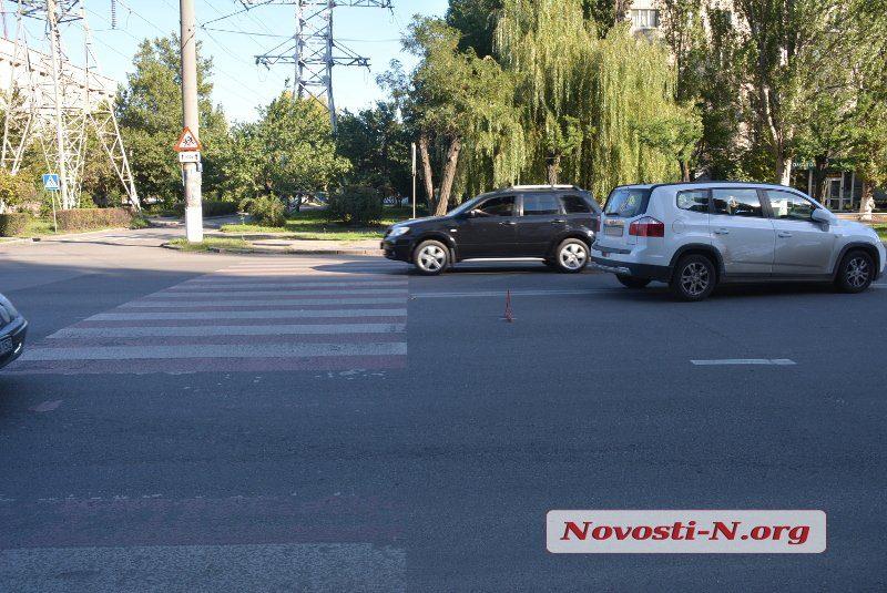 В Николаев водитель «Шевроле» сбила на пешеходном переходе двух девушек