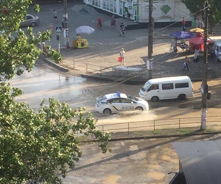Из-за аварии в части Ингульского района воды не будет до вечера