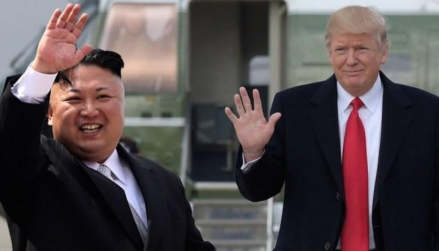 """Трамп заявил, что они с Ким Чен Ыном """"полюбили друг друга"""""""