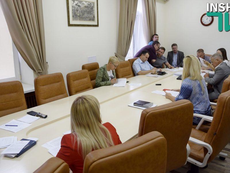 Яковлев заявил, что прокуратура рекомендовала отменить строительство ресторана на Набережной, но чиновники готовят решение о продлении аренды