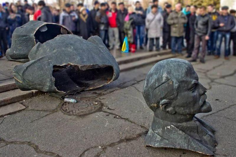 Николаевщина недодекоммунизированная: где еще надо снести 49 памятников и переименовать 9 улиц