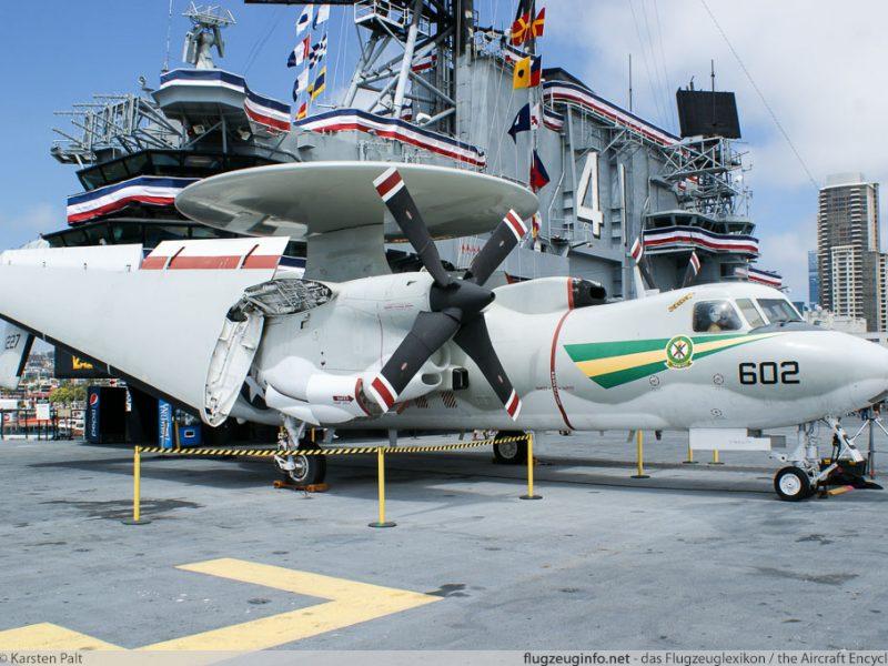 На американском авианосце моряк погиб от удара винтом самолета