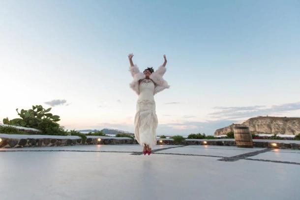 После того, как жених сбежал со свадьбы, француженка вышла сама за себя