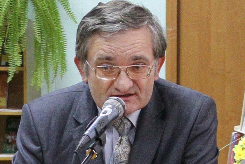 Мужчина, зарезанный сегодня в Николаеве, оказался известным в городе профессором университета им.Сухомлинского – СМИ