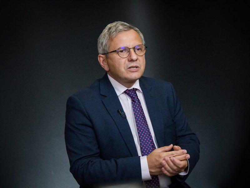 """Кораблю """"Украина"""" осталось 1,5-2,5 месяца до столкновения со скалой – исполнительный директор МВФ в Украине"""