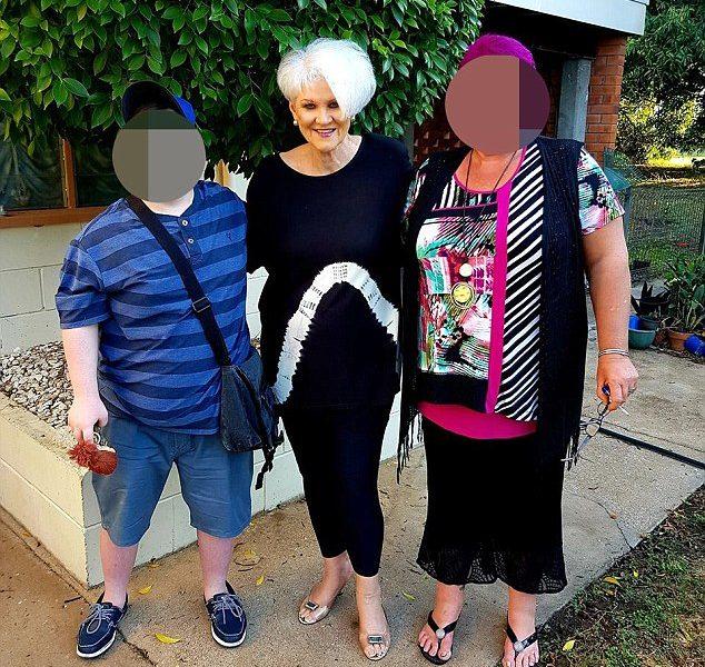 Пожилая австралийка обокрала клиентов, чтоб сделать себе подтяжку лица