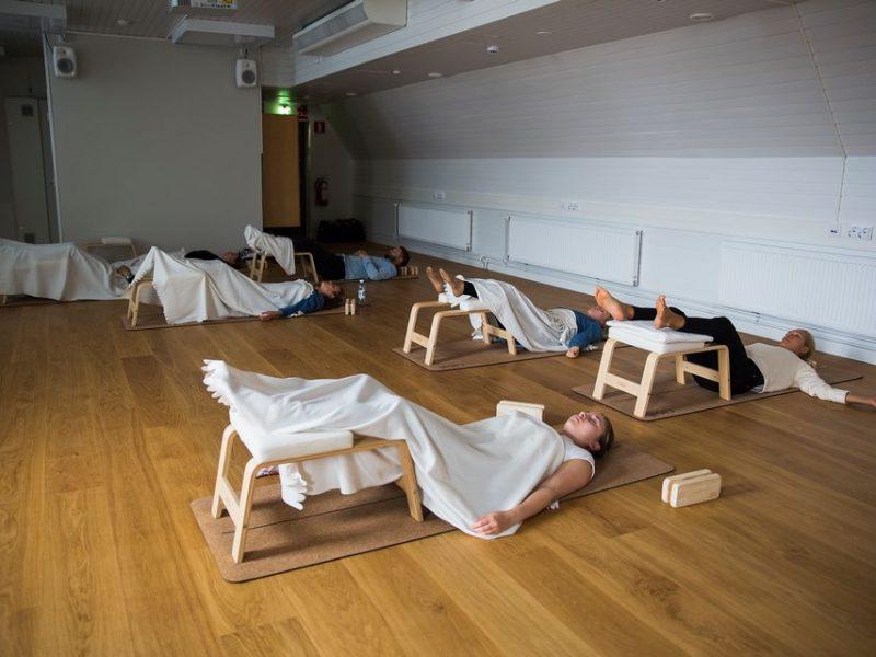 Только не надо завидовать! В Финляндии популярность набирают группы дневного сна для взрослых