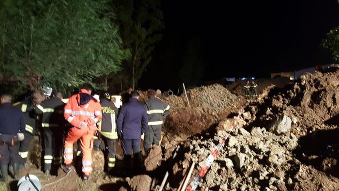 В итальянском регионе Калабрия во время ремонта канализации произошел оползень, унесший жизни 4 людей