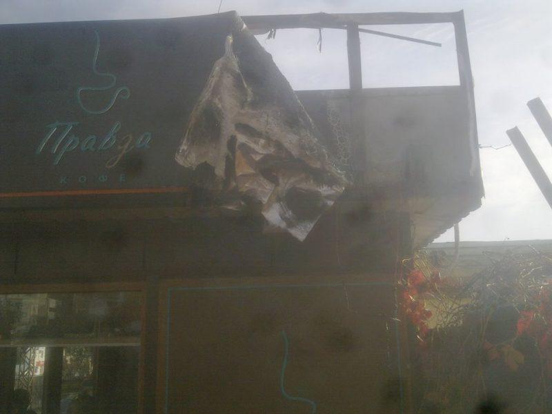 В Николаеве горела мини-кофейня – «коротнуло» в рекламной вывеске