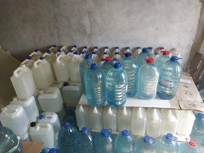 В одном из гаражей Николаева фискалы нашли почти 9 тыс.литров фальсифицированной водки
