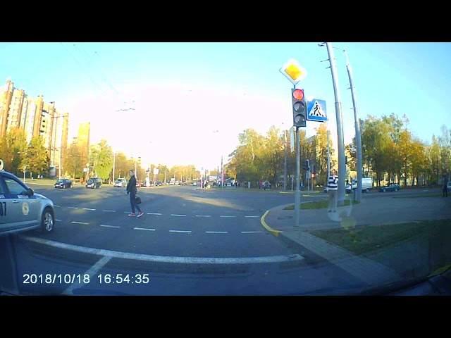 Девушка отказалась уступать дорогу кортежу президента Беларуси