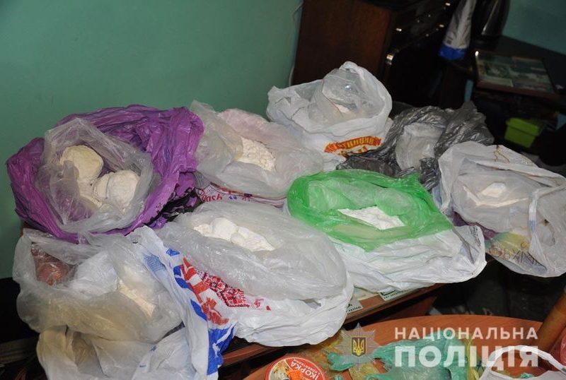На Буковине полиция изъяла наркотики на 10 млн гривен