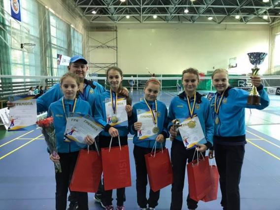 Юные николаевские бадминтонистки выиграли «золото» командного чемпионата Украины