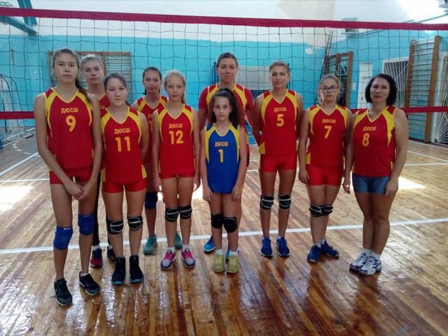 Николаевские волейболистки выиграли турнир памяти Заботина в Херсоне