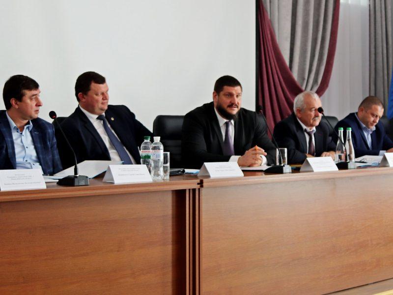 Миссия и ответственность. Алексей Савченко провел «круглый стол» с представителями николаевских судов