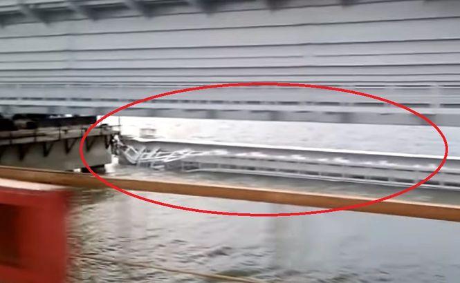 Один из пролетов Керченского моста рухнул в пролив