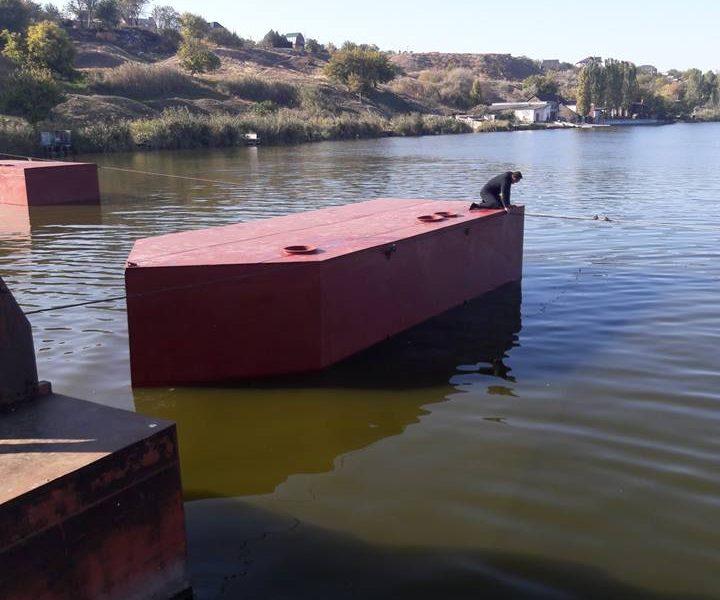 Аляудский мост в Николаеве скоро будет как новенький – прибыли 2 понтона на замену аварийных