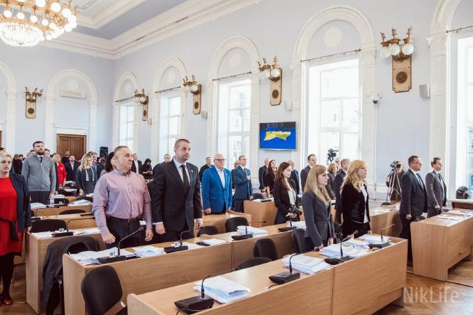 Со стен сессионного зала Николаевской мэрии убрали портреты российских адмиралов