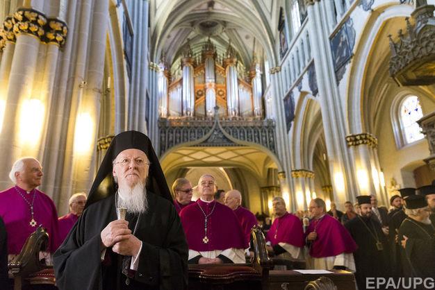 Синод УПЦ КП принял решение о молитвах за Вселенского патриарха Варфоломея