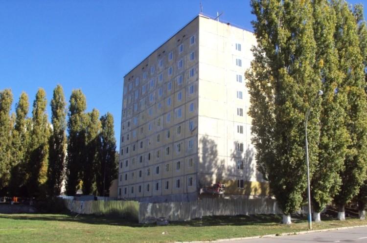 Реконструкция общежития №6 в Южноукраинске на завершающем этапе. Сдать обещают в декабре