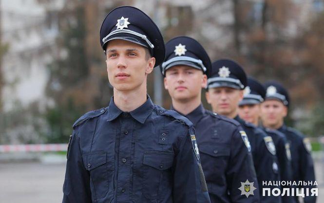 """Вступил в силу закон, по которому дисциплинарное наказание полицейским будут назначать с участием """"безупречных"""" общественников"""