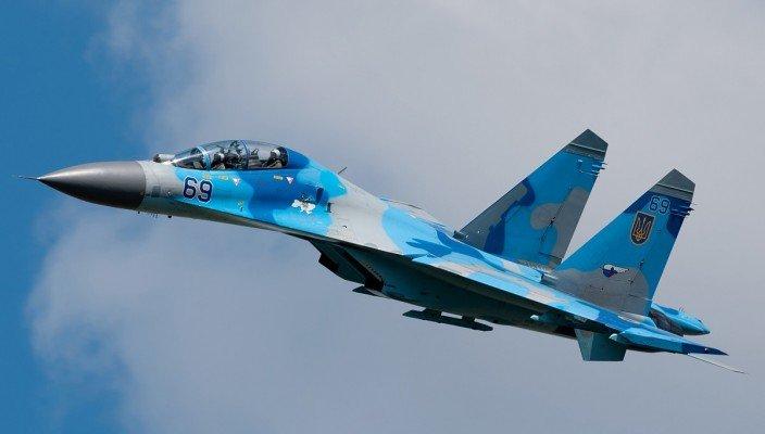 В Винницкой области упал истребитель Су-27. Найдены обломки самолета
